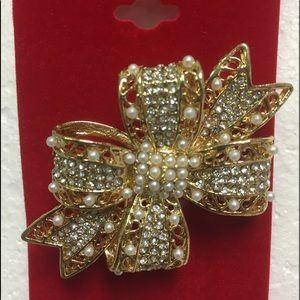 Christmas Brooch - Rhinestone Jewelry / Pin
